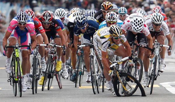 Mark Cavendish too much for his bike.